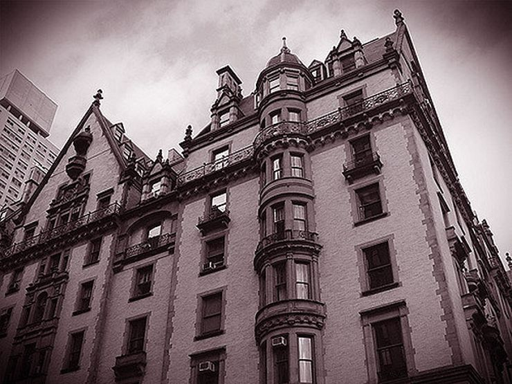 These People Know They Live in Haunted Houses, And They Like It That Way