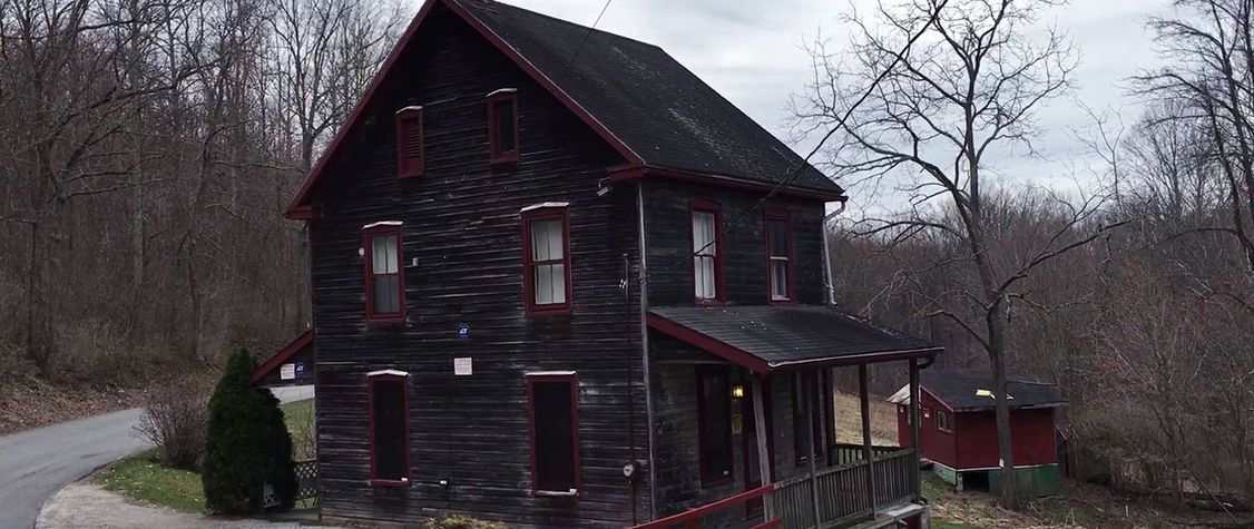 10 American Murder Houses and the Spirits That Reside Within