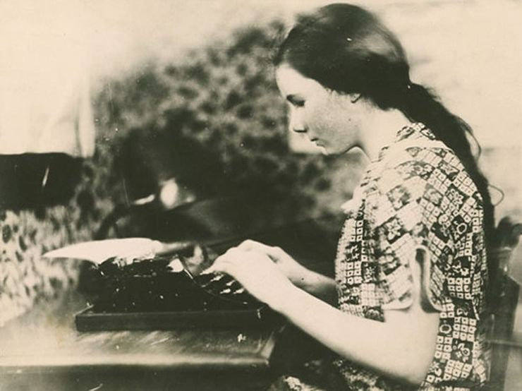 Barbara Newhall Follett typewriter