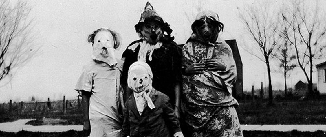 14 Creepy and Utterly Bizarre Vintage Halloween Costumes