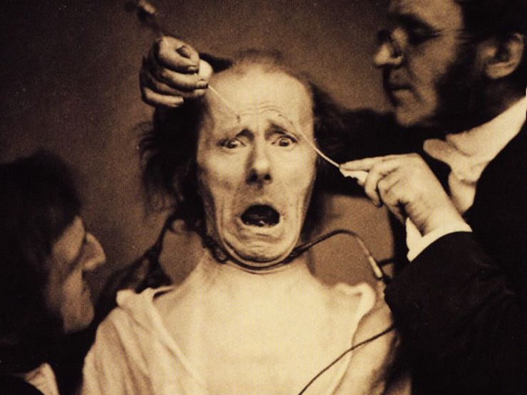 15 Creepy Historical Photos That Will Haunt Your Nightmares