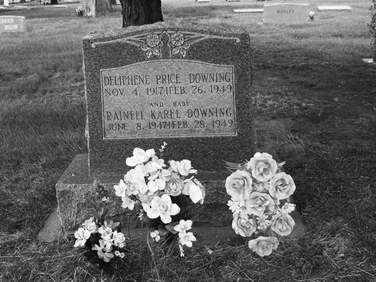 Deliphene and Rainell Downing's Grave