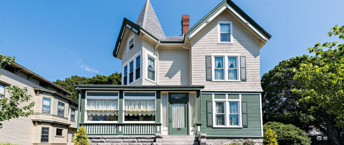 Lizzie Borden's Home Could Now Be Yours ... If You Dare