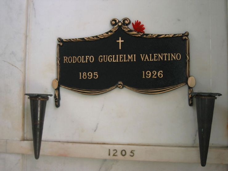 the lady in black Rudolph Valentino