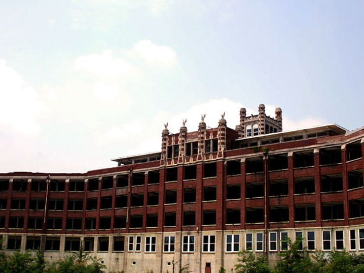 The Ghosts of Waverly Hills Sanatorium