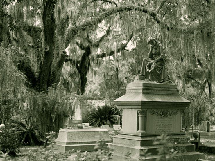 12 Haunted Cemeteries to Visit Before You Die