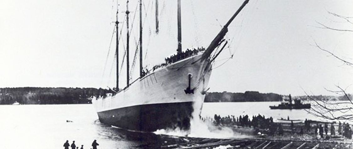 The Vanishing Crew of the Carroll A. Deering