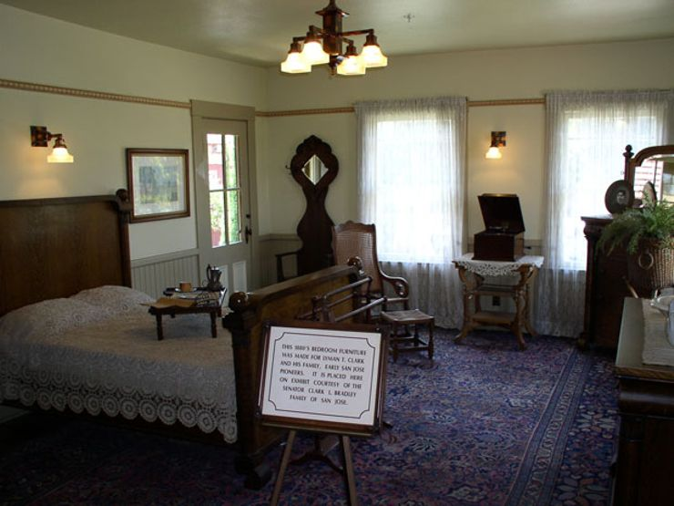 Winchester-Mansion_Dave-Thomas_interior