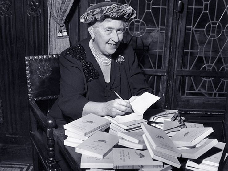 11 Authors Like Agatha Christie