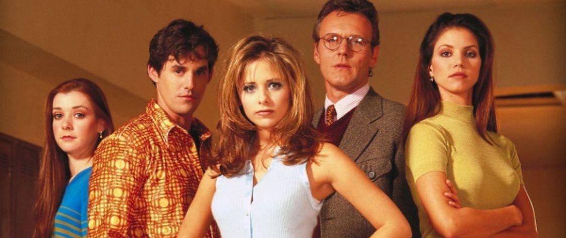 "11 Books like ""Buffy the Vampire Slayer"""
