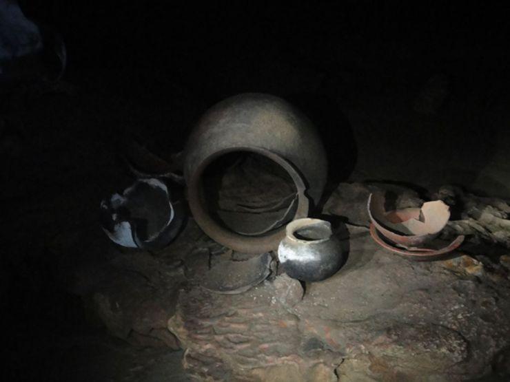 ActunTunichilMuknal_CarsentenBrink_pottery