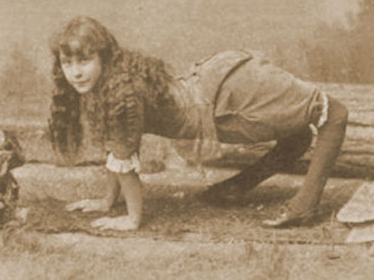 freak sideshow performers ella harper camel girl