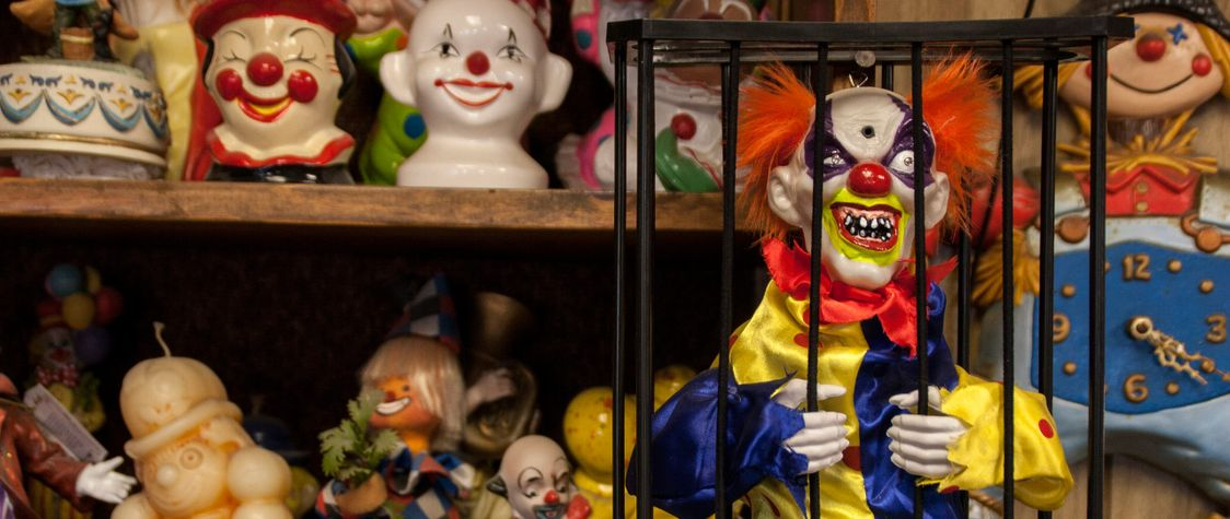 You Can Now Buy Nevada's Creepy, Iconic Clown Motel
