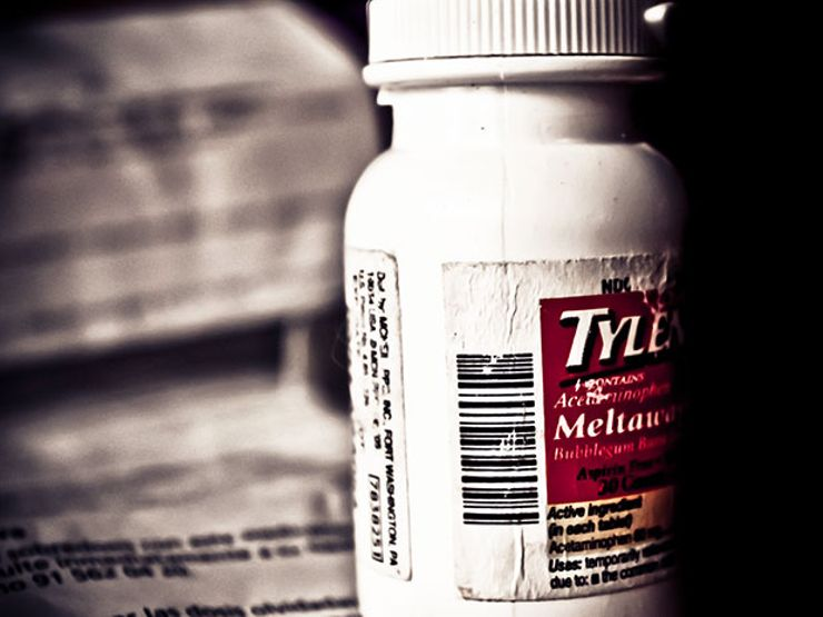 Who Was Behind the Unsolved Tylenol Murders of 1982?