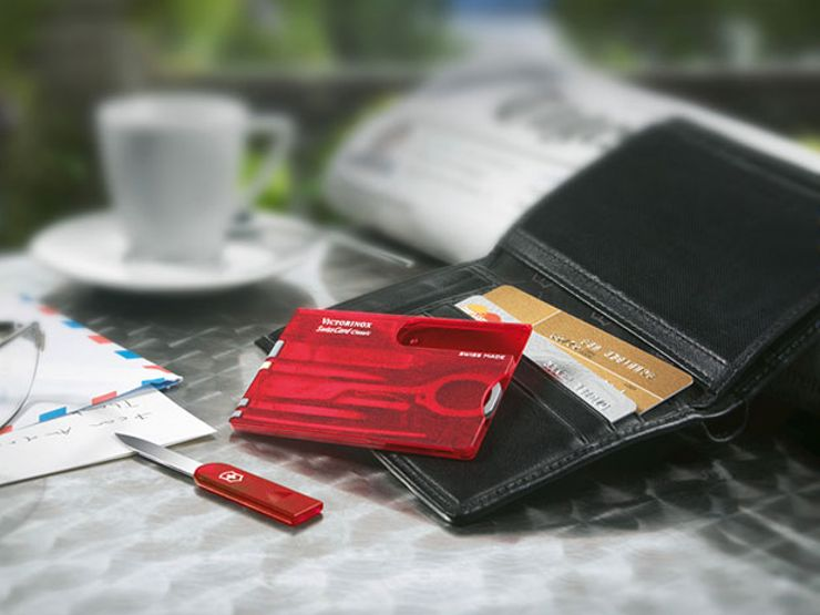 gift guide: victorinox swiss card