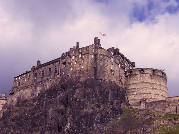 4.-Edinburgh_Castle