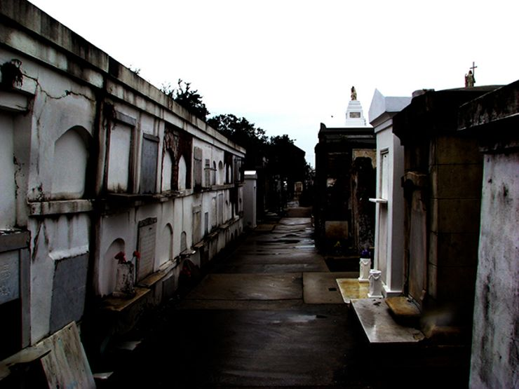haunted cemeteries st louis no 1