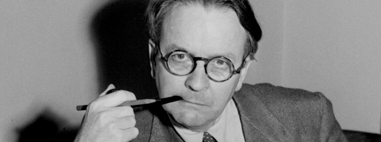 Raymond Chandler and 7 of the Best Thriller Writers Today