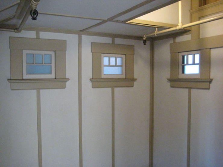Winchester-Mansion_John-Loyd-windows