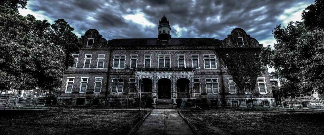 This Haunted House Attraction in Pennsylvania Is Set Inside a Real-Life Haunted Asylum
