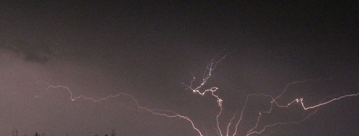 Watch What Happens When Lightning Misses the Earth