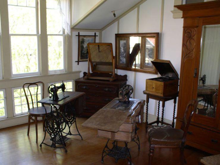 Winchester-Mansion_Dave-Thomas_interior2