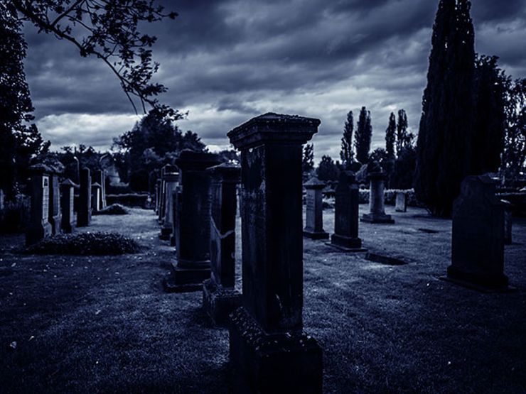 21 People Share The Creepiest Thing They've Seen While Working On The Graveyard Shift