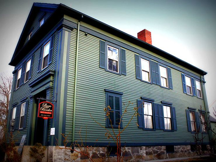 I Tried (and Failed) to Spend a Night at the Lizzie Borden Bed and Breakfast