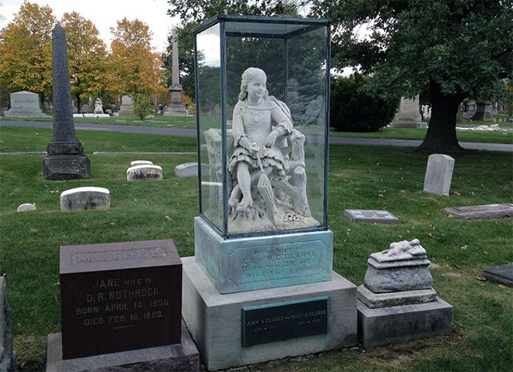 Graceland Cemetery S 7 Creepiest Graves