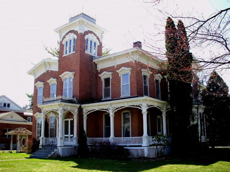 Farnam Mansion