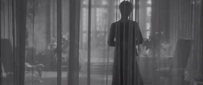a still from hitchcock's rebecca, based on the daphne du maurier novel