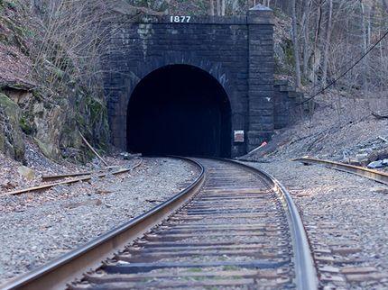 Faze Rug Tunnel Wikipedia Bruin Blog