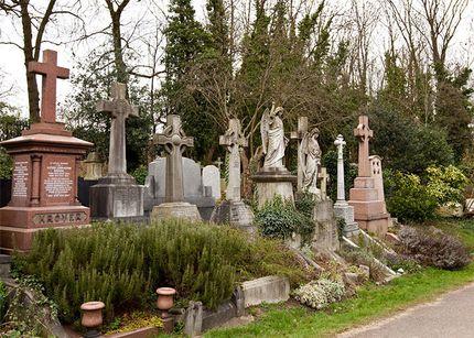 haunted cemeteries