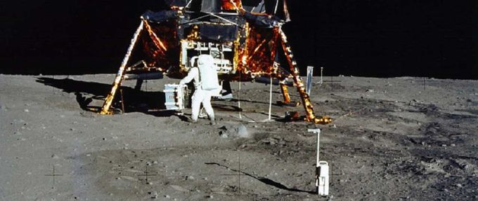 what time did neil armstrong step on the moon est