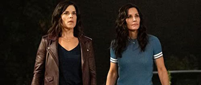 Still shot of Neve Campbell and Courtney Cox in the new trailer of the Scream movie reboot, coming in January 2022.