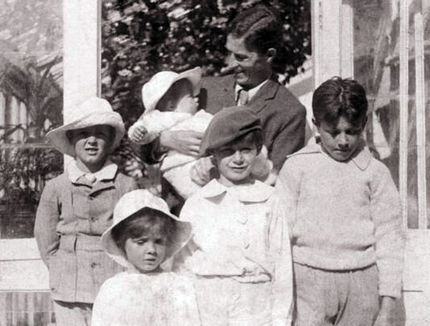 the family that inspired j m barrie s peter pan