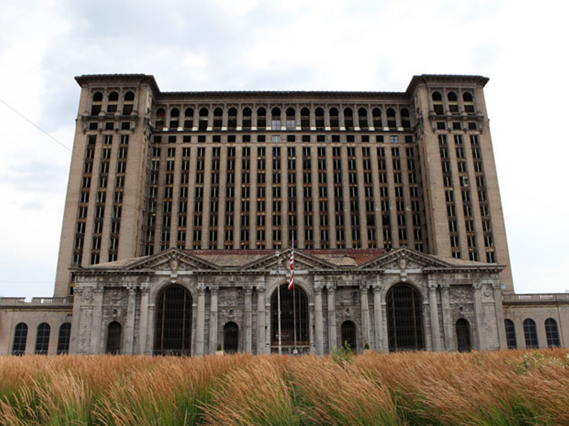 25 Of The Creepiest Abandoned Places Around The World